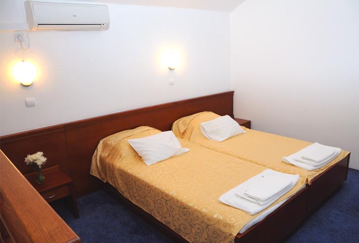 Dvokrevetna soba hotela Norcev