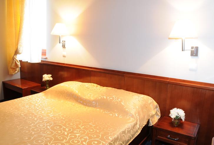 Spavaća soba apartmana hotela Norcev